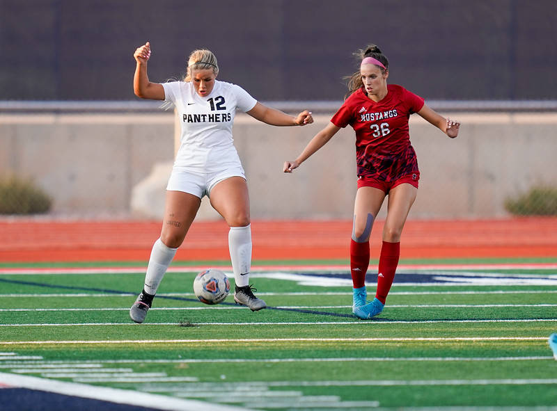 CCHS-vsoccer-pineview0279.jpg