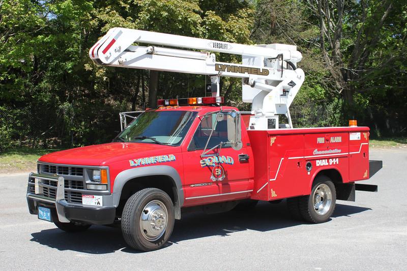 Squad 3 1990 Cvevy/Versalift Fire Alarm
