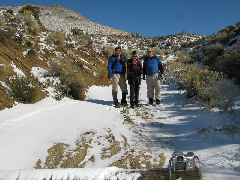 Tom, Lisa and Nathan at the trailhead