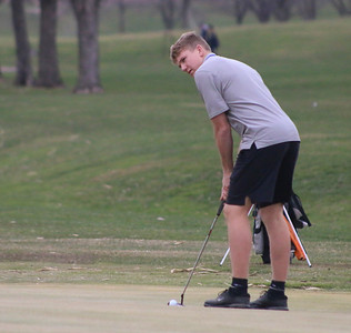 WL boys' golf at Rolling Hills Golf Club in Hull 4-15-19