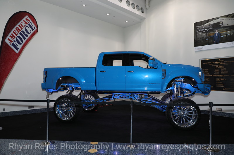 LA_Auto_Show_2019_IMG_0254_RR.jpg