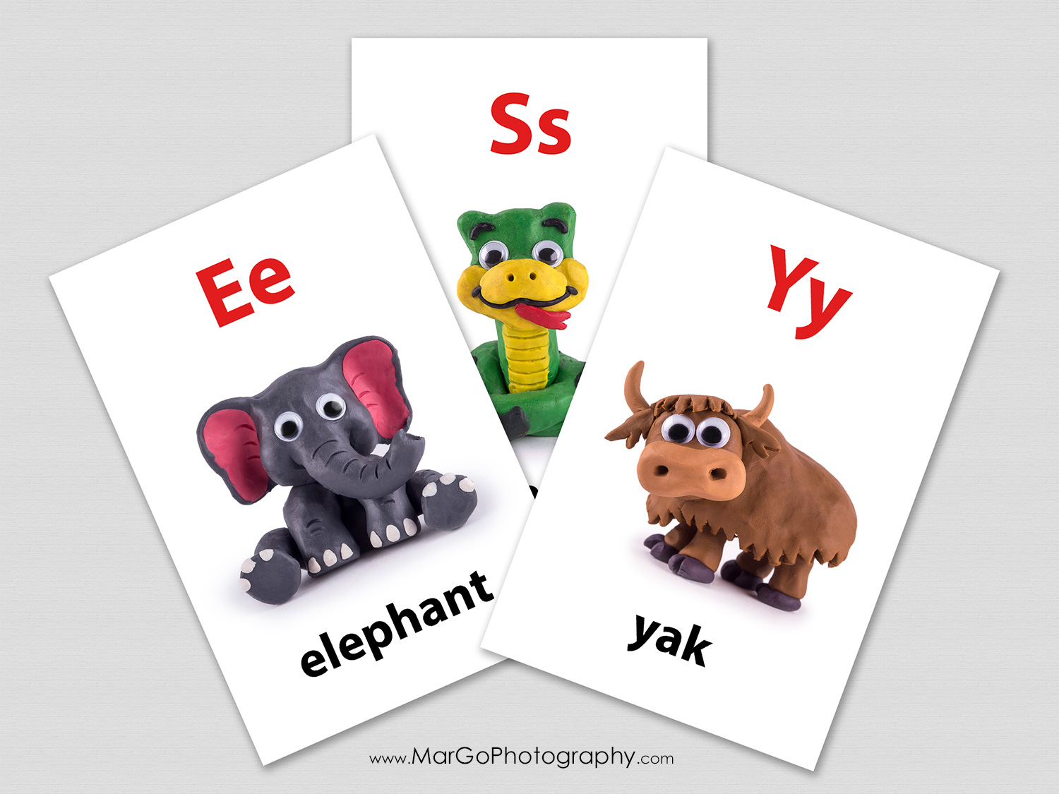 Bela's Kids English flashcards with clay animals