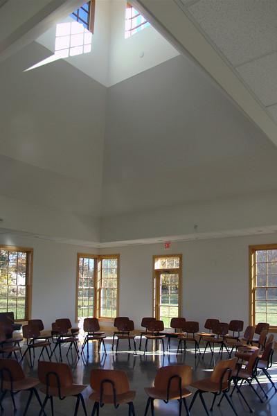C 6 Friends Meeting House Oct. 04 075b.jpg