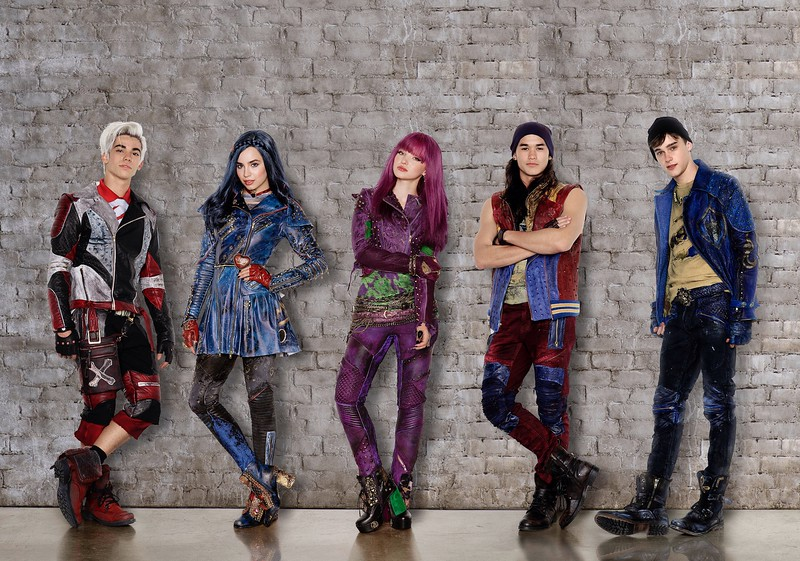 DESCENDANTS 2 main cast get new looks