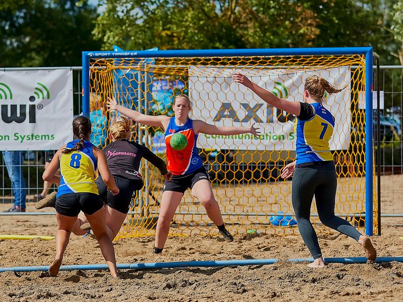Molecaten NK Beach Handball 2016 dag 1 img 391.jpg