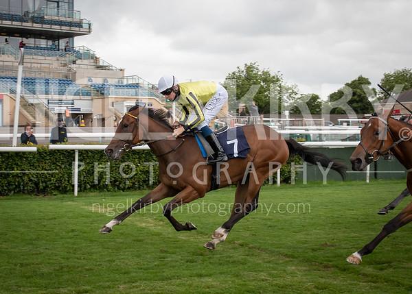 Race 2 - She Do