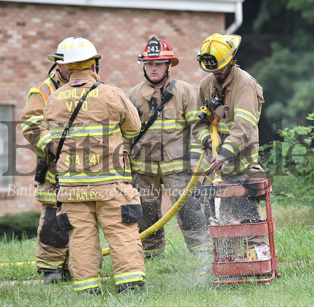 76117 Kitchen fire at home along route 8 in Middlesex twp