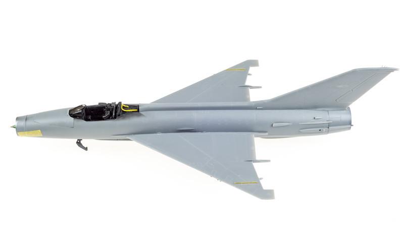 Trumpeter_MiG-21F-13_03-09-14-9.jpg