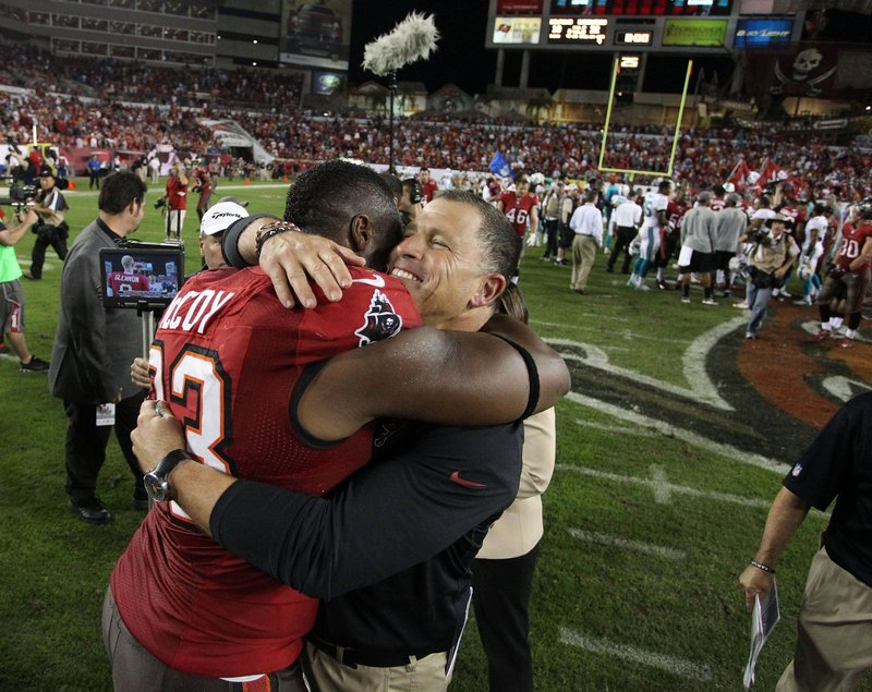 . <p><b> Falcons at Buccaneers (+1½):</b> The Bucs rallied past Miami Monday night to earn their first victory. While the triumph could hurt the Bucs� chances to get the No. 1 draft pick, it will have no effect on their ability to fire their idiot coach. Pick: <b>Falcons by 4</b> <p>    (Daniel Wallace/Tampa Bay Times/MCT)