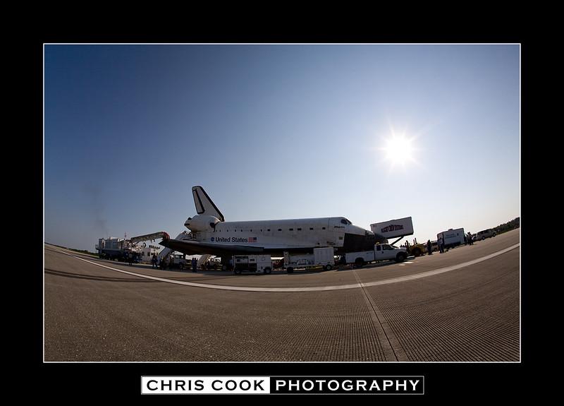 STS-135-landing-12.jpg