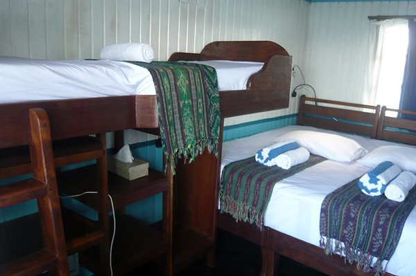 triple bed.jpg
