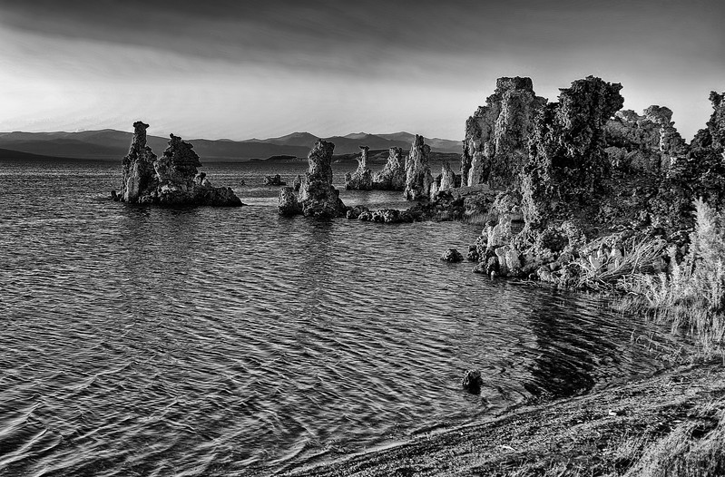 Mono Lake South Tufa 9BW.jpg
