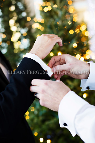 Hillary_Ferguson_Photography_Melinda+Derek_Getting_Ready337.jpg