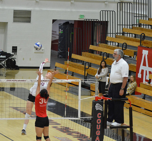 2013-11-07 Volleyball v BYU Hawaii