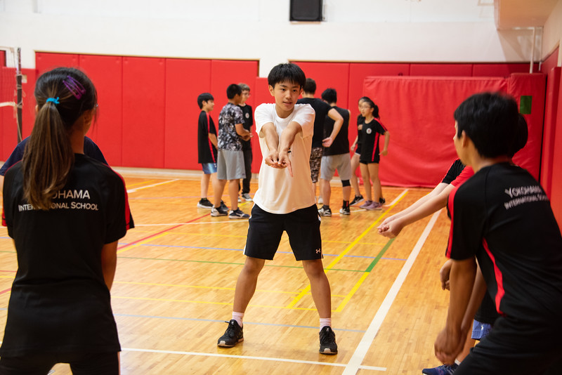PE Leadership-Gr12 and Gr6 Volleyball Workshops-YIS_2521-2018-19.jpg