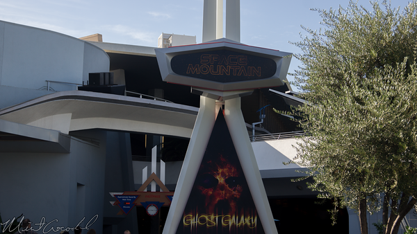 Disneyland Resort, Disneyland, Tomorrowland, Halloween, Space Mountain, Space, Mountain, Ghost Galaxy, Ghost, Galaxy