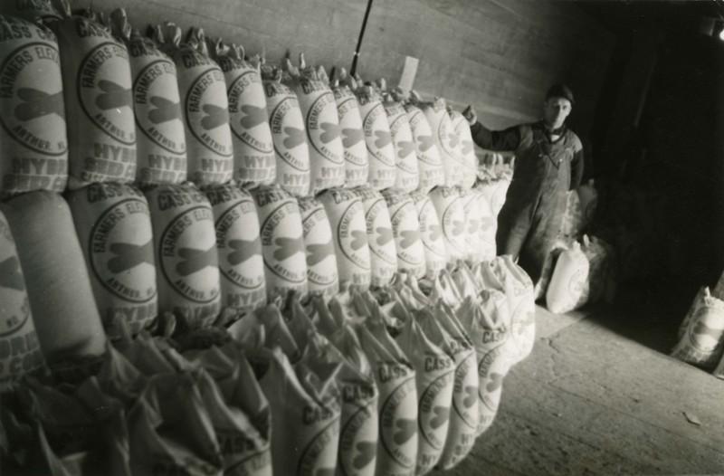 JA044. Farmers Elevator Co. corn drier - 1939‡ .jpg