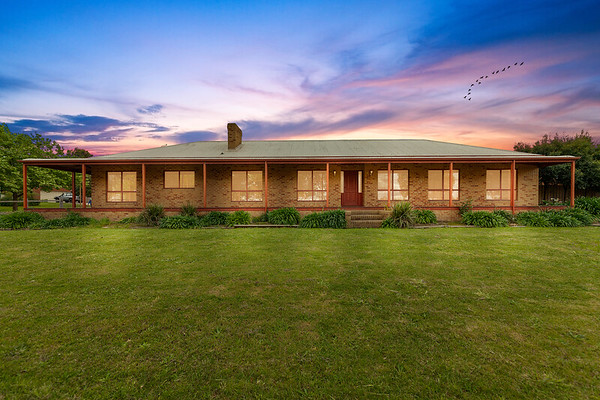 15 Settlers Hill Place Narre Warren North
