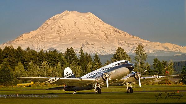 Mt Rainier @ Hanger Inn