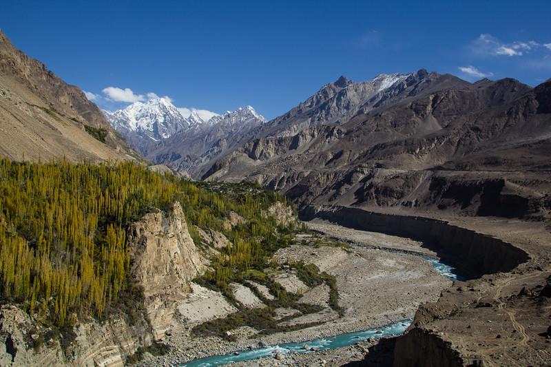 Genevieve Hathaway_Karimabad_mountains.jpg