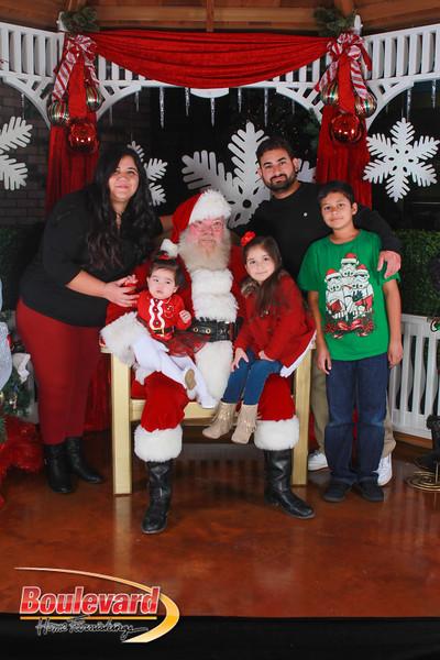 Santa 12-17-16-484.jpg