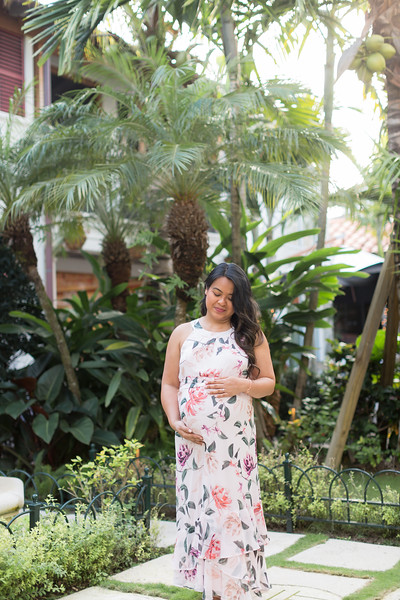Serena Maternity Session-11.jpg