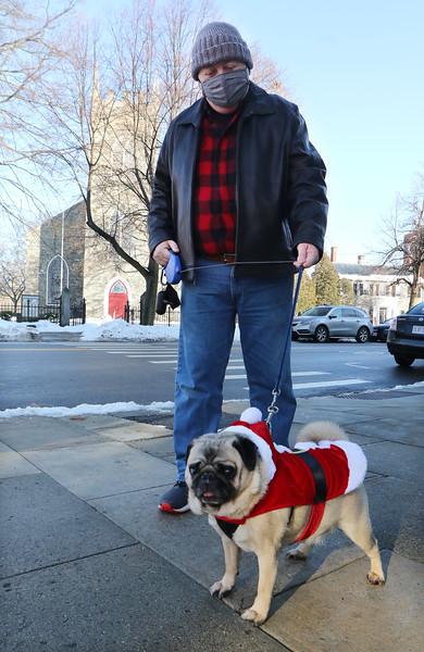 Santa Claus pug in Lowell 122220