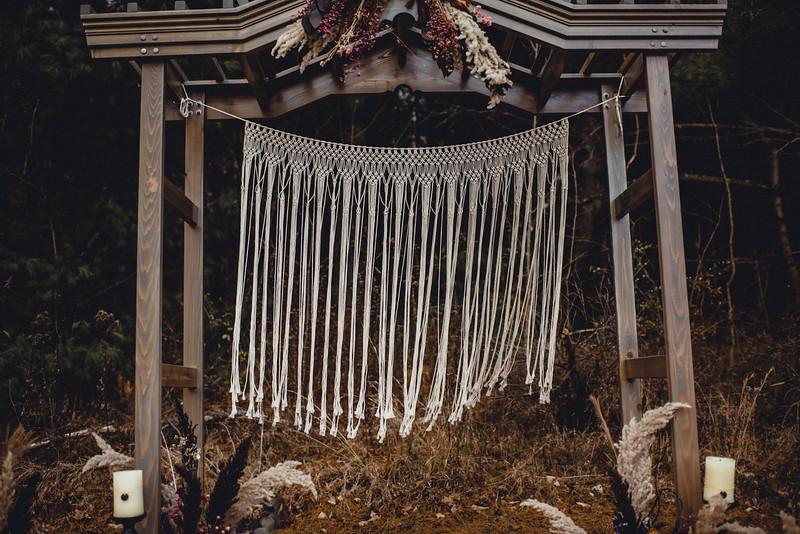 Requiem Images - Luxury Boho Winter Mountain Intimate Wedding - Seven Springs - Laurel Highlands - Blake Holly -1125.jpg