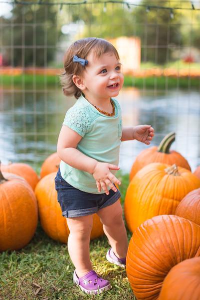 Stevies First Pumpkins-4446.jpg