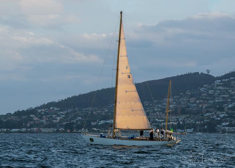 Dorade packs the sails