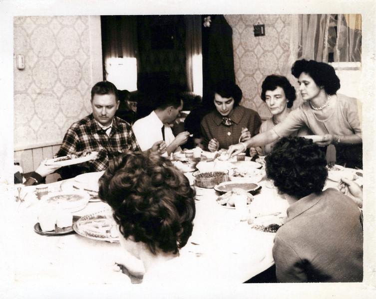 1961 Dean, Lloyd, Sandy, Viv, Eileen.jpeg