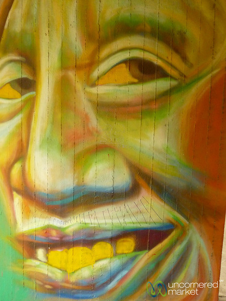 Happy Face - Street Art in Berlin, Germany