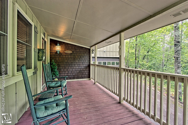 1728 East Boggs Mountain