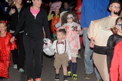 Halloween Parade Mifflinburg 2015
