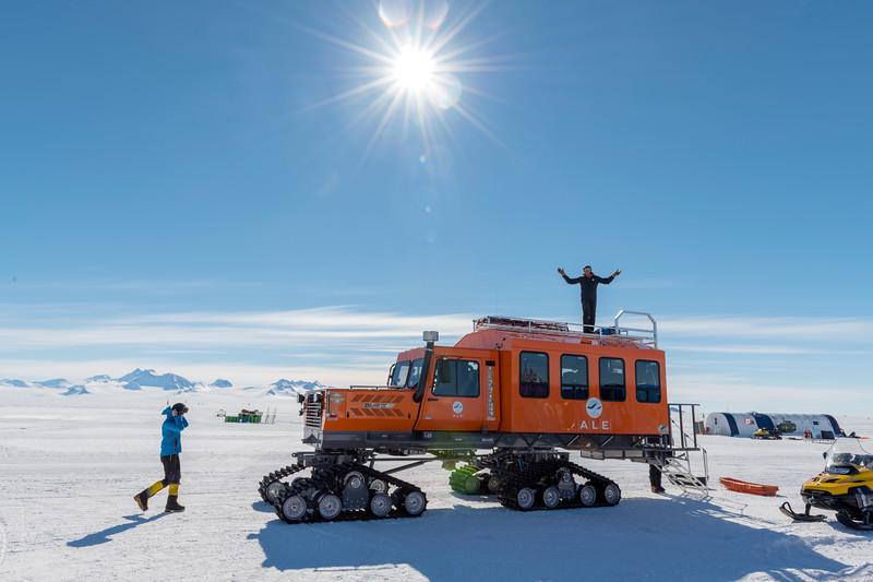Climb Antarctica Women -1-11-18098797.jpg