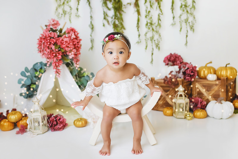 DONE-newport-babies-photography_pumpkin_cakesmash-6900-Edit.jpg