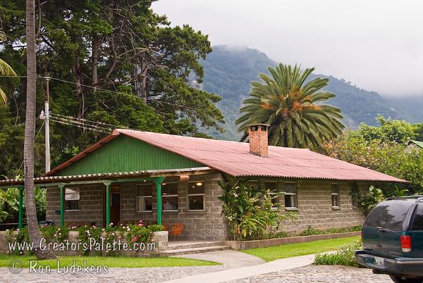 2007-11-10 - Saturday - Travel to base camp in Panajachel