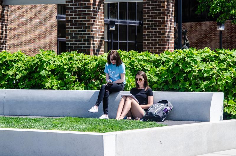 05-07-19 Campus Scenes 02_DSC8060.jpg