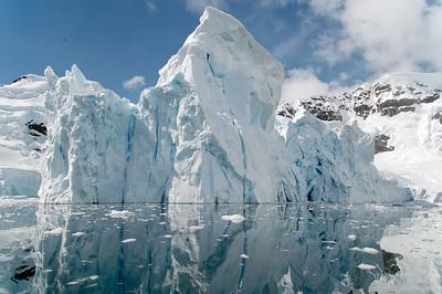 Paradise Bay - Petzval Glacier