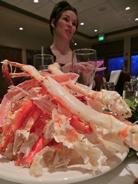 2011/3/25 – Time to spend our food minimum at the country club. Thank goodness they had a nice buffet. Jessica, Chris, Lisa and I went and ate all the crab legs we could eat. This is the second plate. The first was stacked even higher with empty legs. It was sooooo goooood. You just want to keep eating.