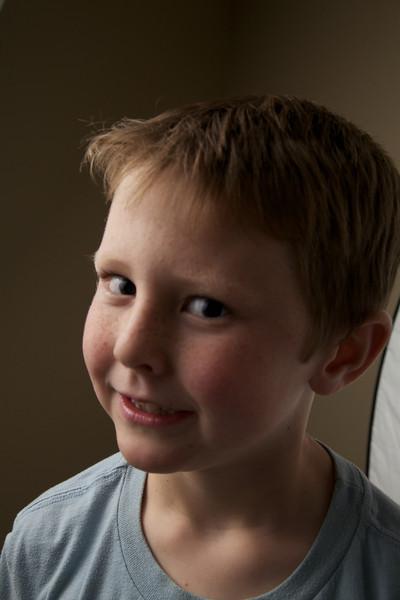 2011-09-28 Shane in a corner