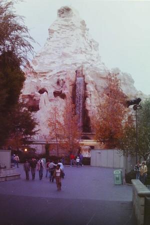 Di Disneyland 1983
