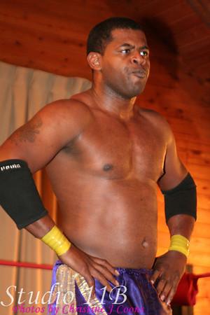 PWI 081102 - Bobby Ocean vs Dan de Man