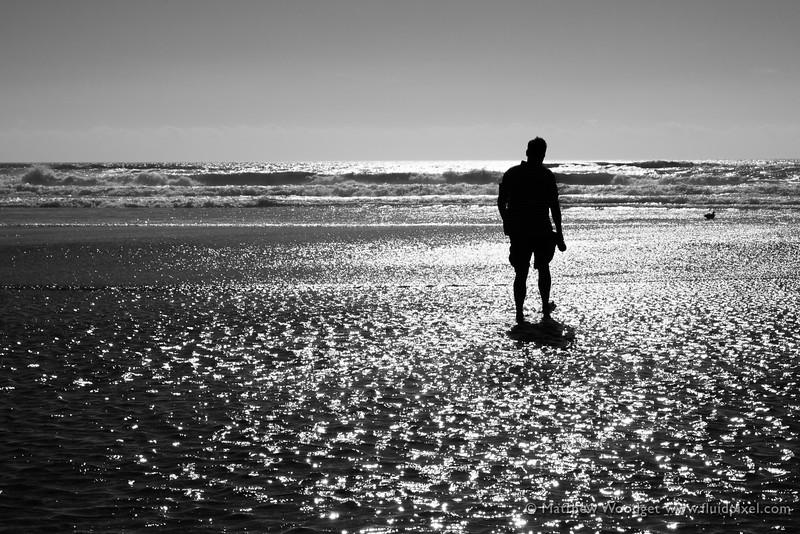 Woodget-150821-371--B&W, black - dominant color, mourning, ocean - water, silhouette.jpg