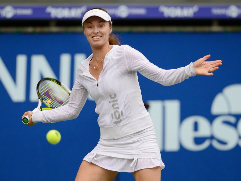 ". <p>6. MARTINA HINGIS <p>Where is she now? Beating her husband to a pulp. Forty-love! (unranked) <p><b><a href=\'http://msn.foxsports.com/tennis/story/martina-hingis-questioned-swiss-police-alleged-assault-husband-103013\' target=""_blank\""> HUH?</a></b> <p>       (Toru Yamanaka/AFP/Getty Images)"