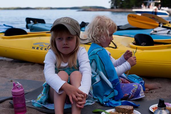 20100716-17 Sea kayaking with Fam Nordin