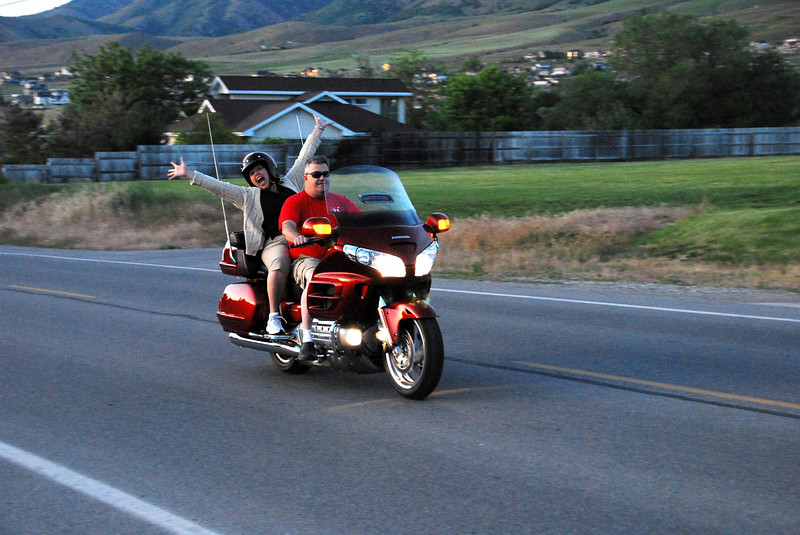 5/27/07 – Lisa doesn't like motorcycles. She says maybe my next wife will let me have one so when she went for a ride with Steve on his Gold Wing I had to get a picture. It looks like she might be having fun!?!