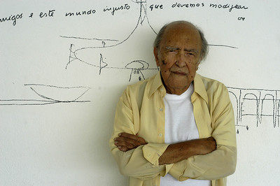 Oscar Niemeyer - Living Legend