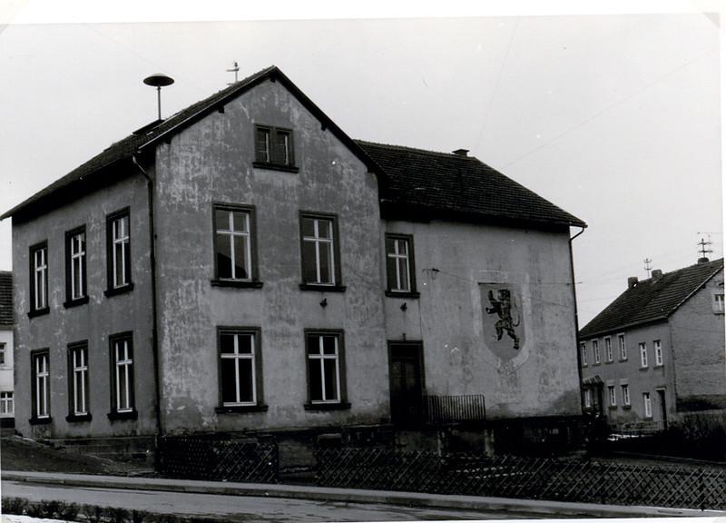 Oberes Altes Schulhaus erbaut 1870 (1).jpg