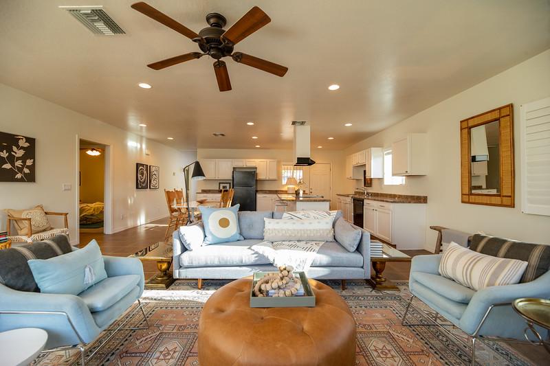 20190507-livingroom 2.jpg